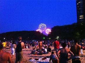 Fjärde juliraketer, sedda från Ohio beach.